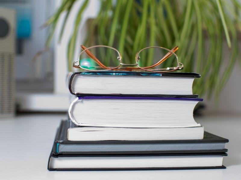 איך לבחור חברה המציעה עבודות אקדמיות בתשלום?